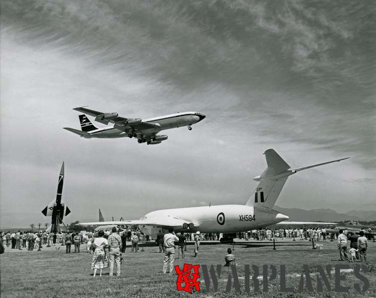 Boeing 707-420 B.O.A.C. (1st delivery) at Vancouver airshow, 11.07.1959