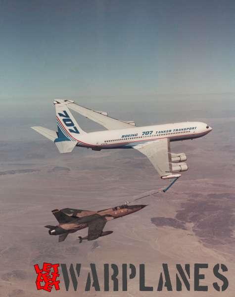 Boeing 707 tanker transport N792TW