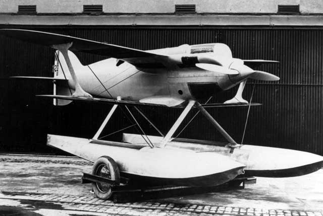 gloster-iv_2.jpg