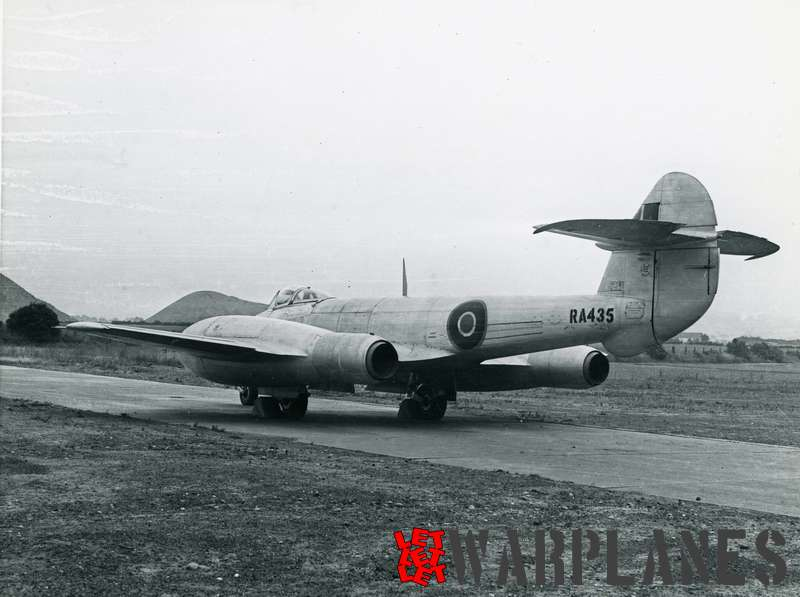 Gloster Meteor F.4 RA435 with re-heated derwents