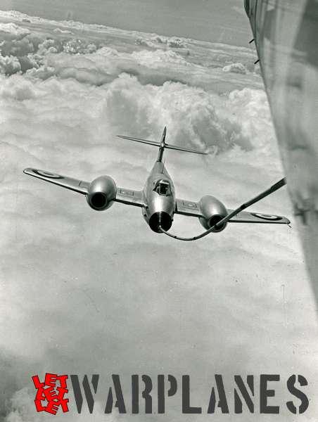 Gloster Meteor F.8 in-flight refuelling
