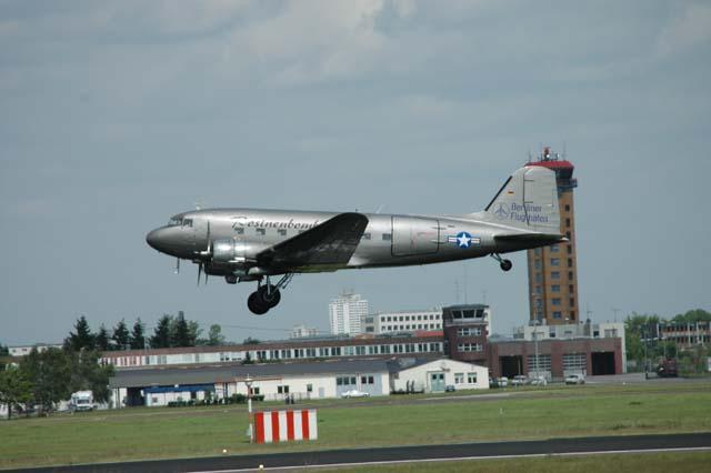 douglas-c-47.jpg