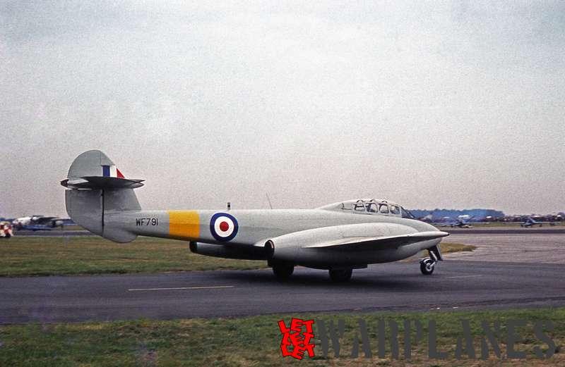 Gloster Meteor T.7 WF791 vintage pair display team