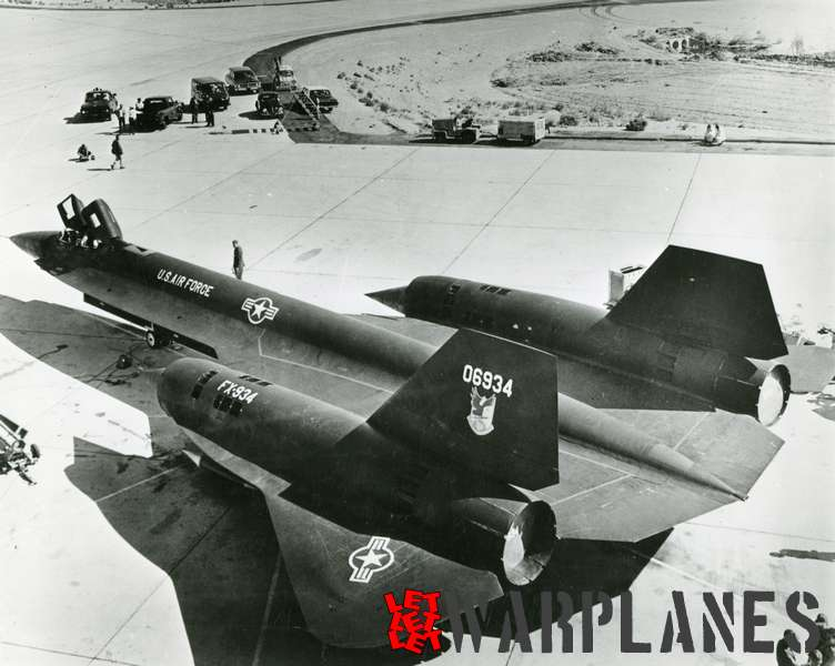 Lockheed SR-71 Blackbird 06934_1