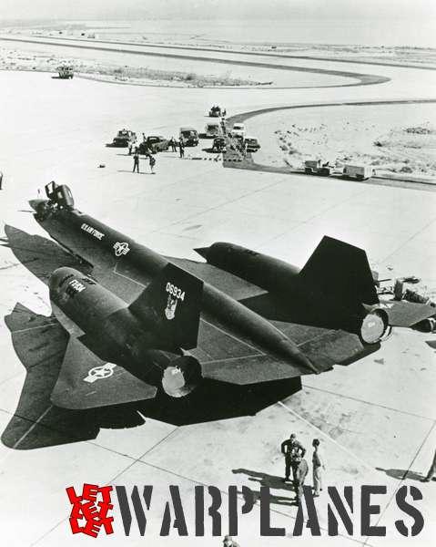 Lockheed SR-71 Blackbird 06934_2