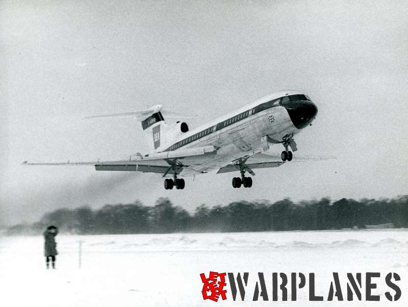 Hawker Siddeley HS.121 Trident G-ARPO B.E.A. during automatic landing trials