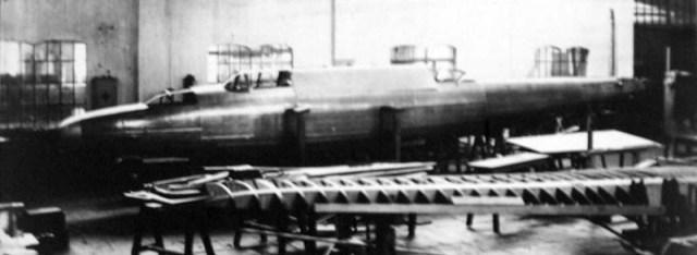 zmaj-r-1-prototip-trup.jpg