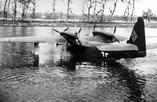 The Do-26V4 on the river Seine near Sartronville, France carrying the E-Stelle Travemünde markings PK # FF (Collection Franz Selinger, Ulm)