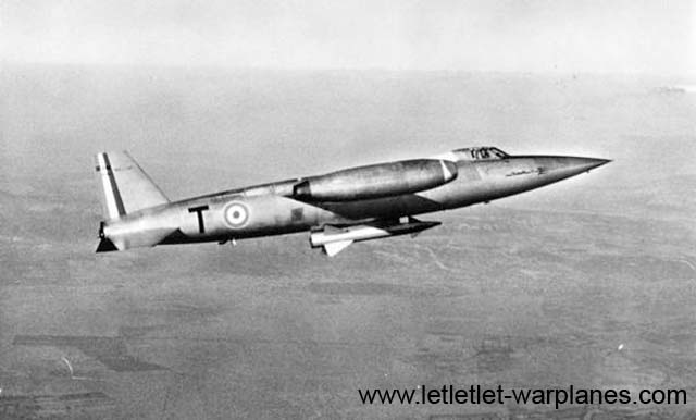 SO.9050.01 in flight with a dummy Matra missile fitted under the fuselage centre.