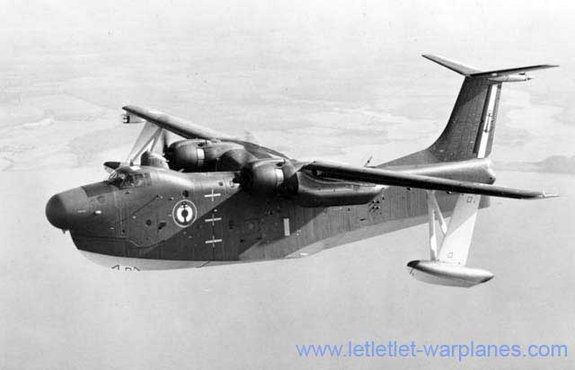 The last flying boat to be operated by the Aeronavale was the American Martin P5M-2 Marlin! Flotille 27F flew ten of these powerful machines until the early sixties. They replaced another foreign type: the Short Sunderland