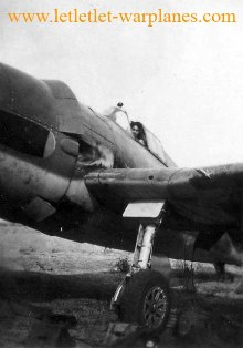 Hellcat warming up the engine, China Bay late 1944 [Paul Whiteing collection]