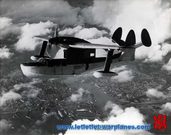 In-flight shot of the PA 143 with the final form of the central fin. Since this photo was also published in magazines with twin-fin layout it is most likely also 'edited'!