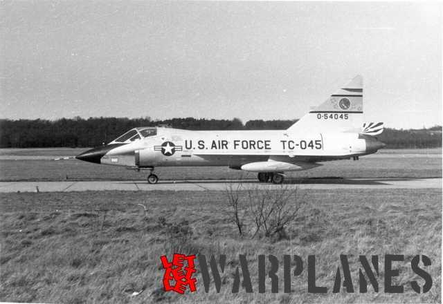 TF-102A at Soesteberg. (Nico Braas)