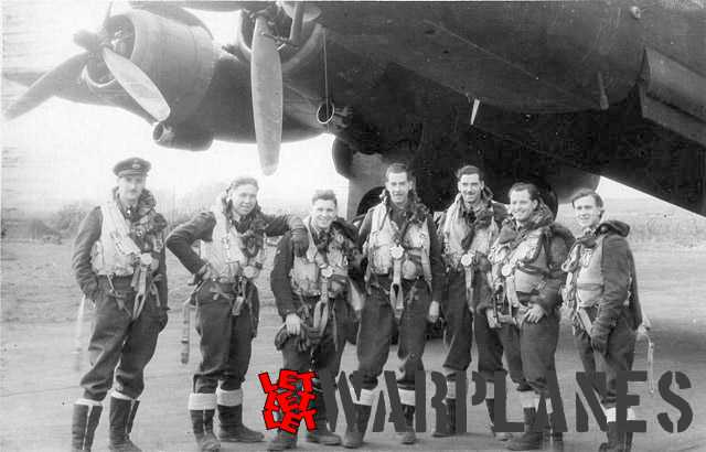 Crew and their Halifax from No.35 Sqn Pathfinder Force