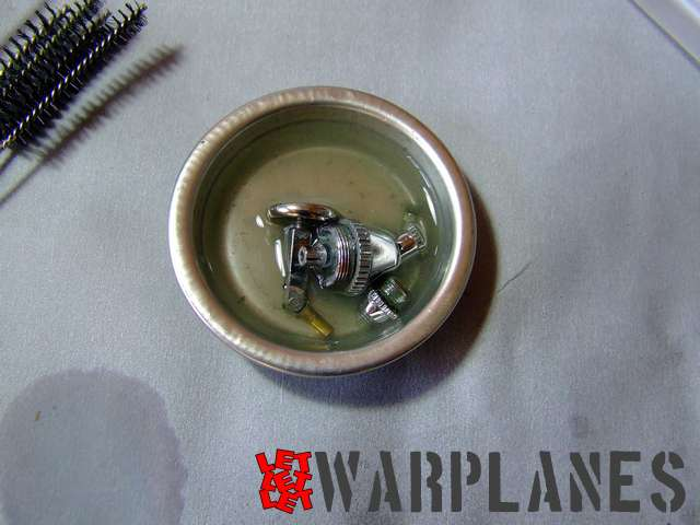 Pot with airbrush parts