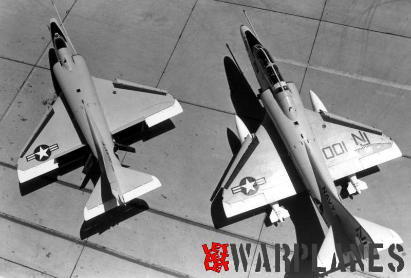 Difference in length of a Skyhawk A-4 and TA-4
