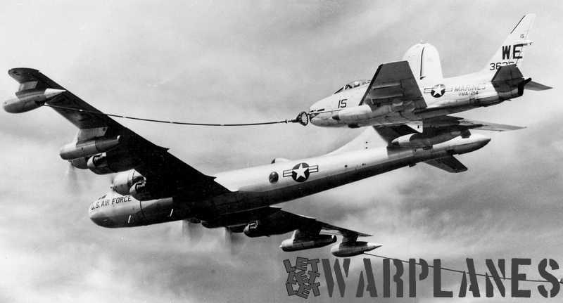 KB-50J-refueling-VMA-214-FJ-4B