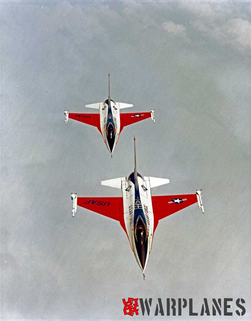General Dynamics F-16-demonstrators in flight