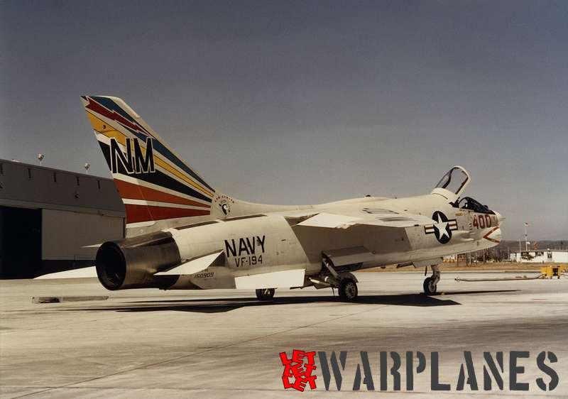 F-8E 150909 VF-194 NM400 Miramar Jul-16-66 CJansson (photo- via Mark Nankivil)