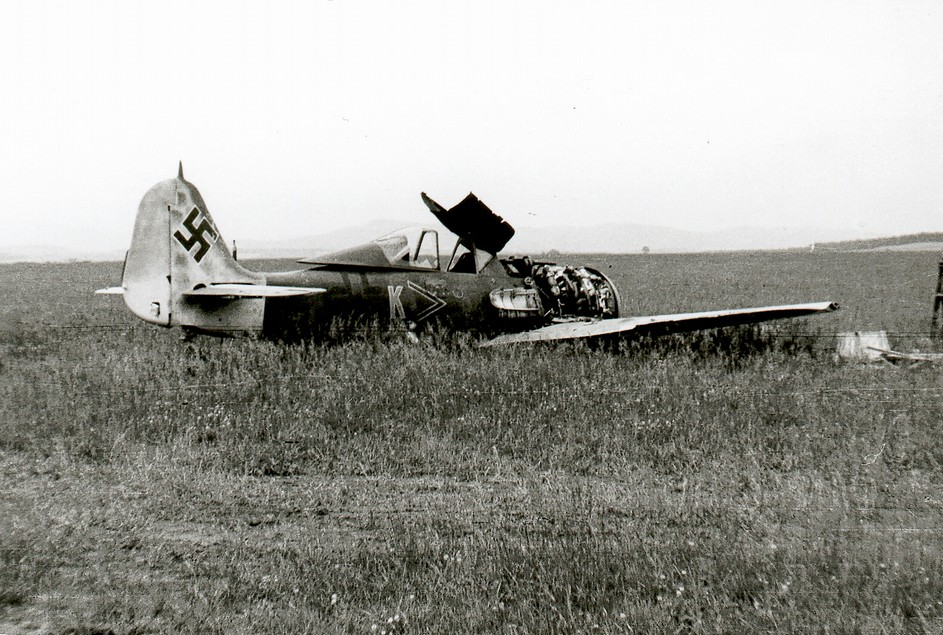Subject of this build, Fw 190F-8, founded at the end of teh war (source photo http://www.vrtulnik.cz/ww2/protektorat-cb.htm)