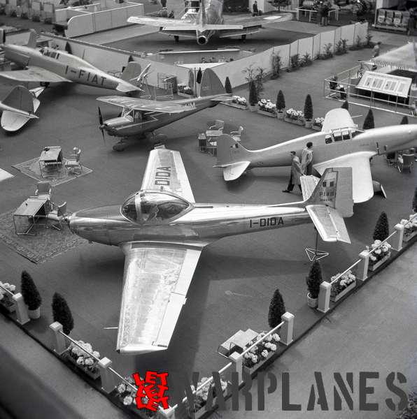Photo 7. Piaggio P.148 I-DIDA Aerosalon Paris 1951