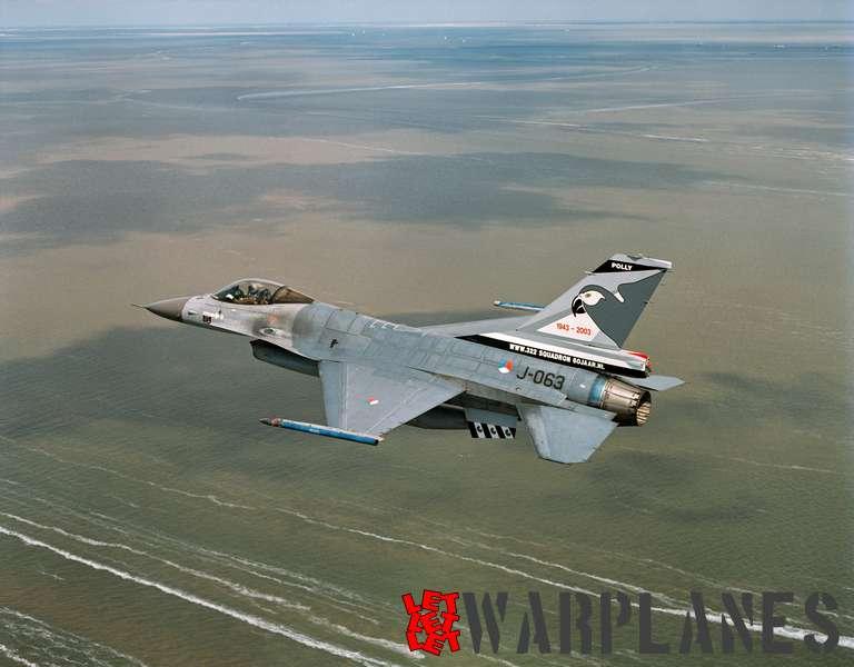 General Dynamics F-16 J-063 (KLu)